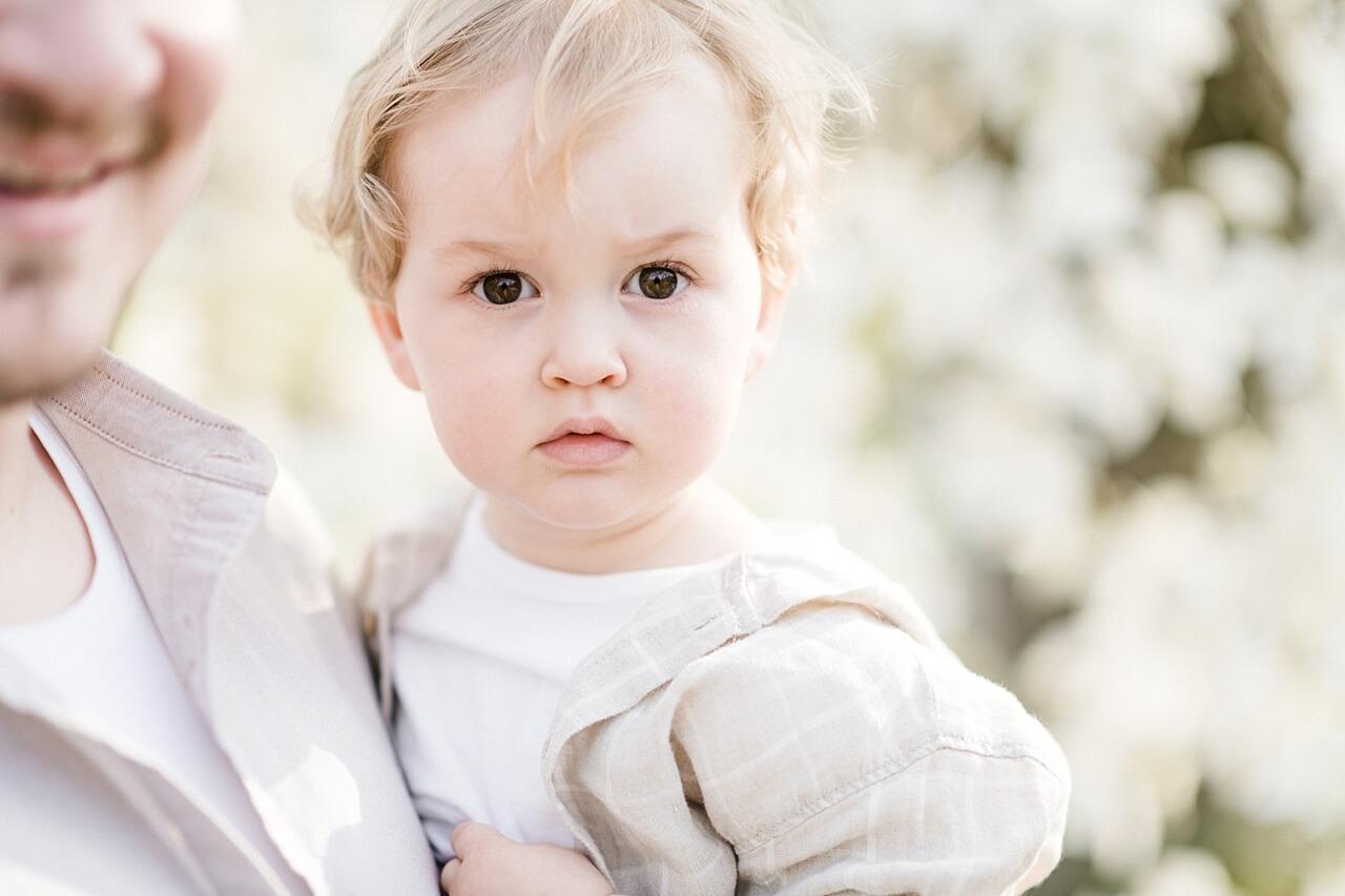 Rebecca Conte Fotografie: Familienshooting Geheimnis 02