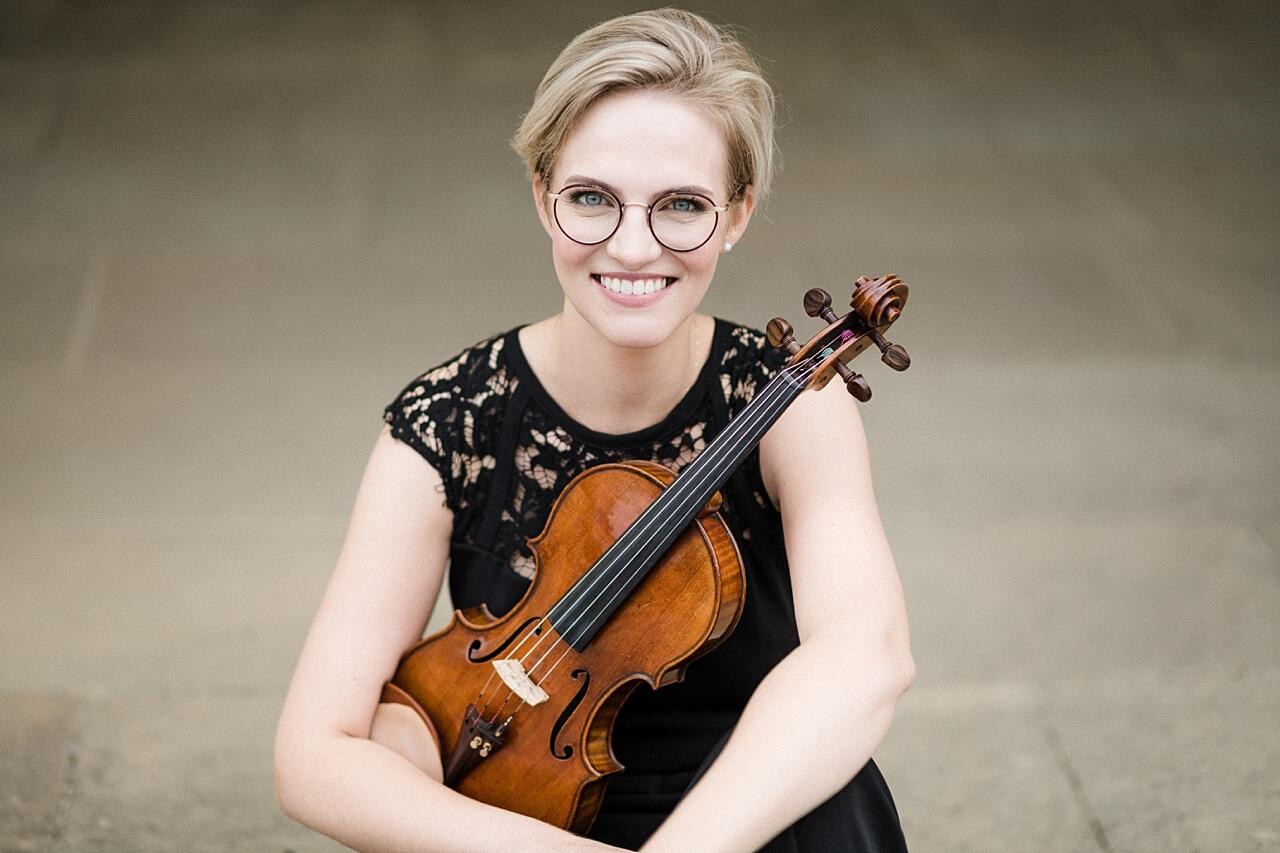 Rebecca Conte Fotografie: Musikerportraits mit Violine 01