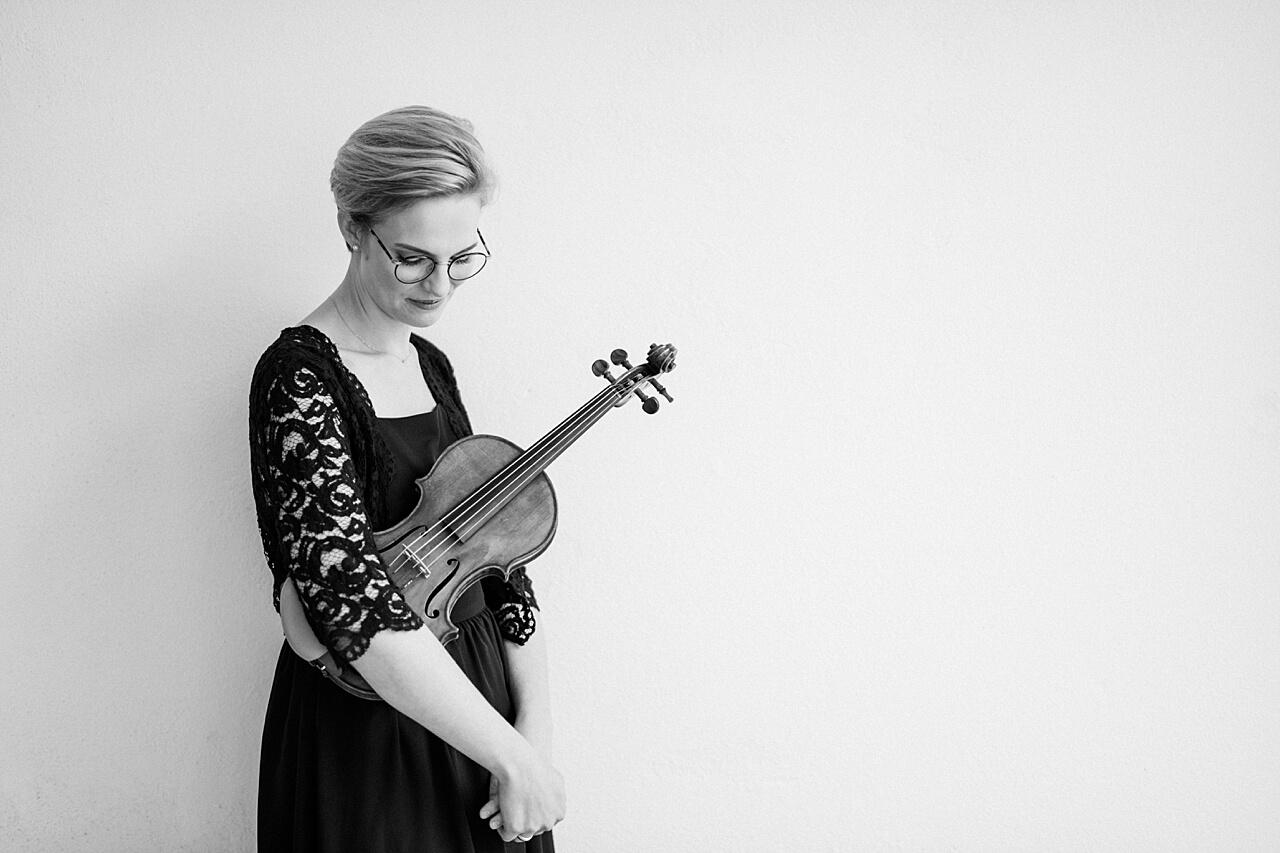 Rebecca Conte Fotografie: Musikerportraits mit Violine 04