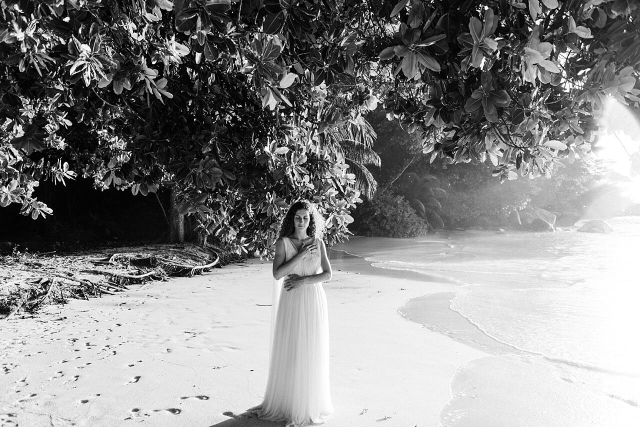 Rebecca Conte Fotografie: Intime Strandhochzeit Seychellen 33