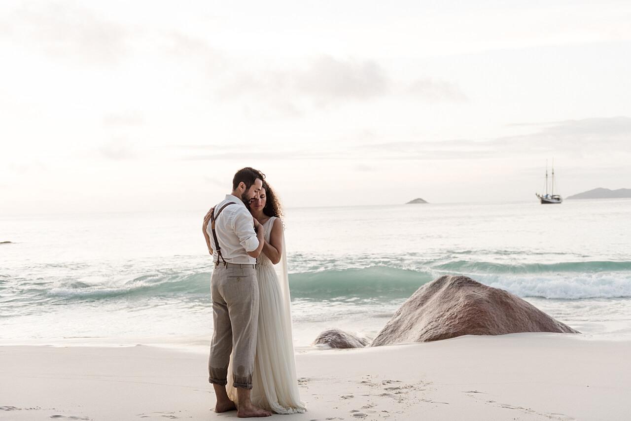 Rebecca Conte Fotografie Ludwigsburg: Intime Strandhochzeit Seychellen Titelbild