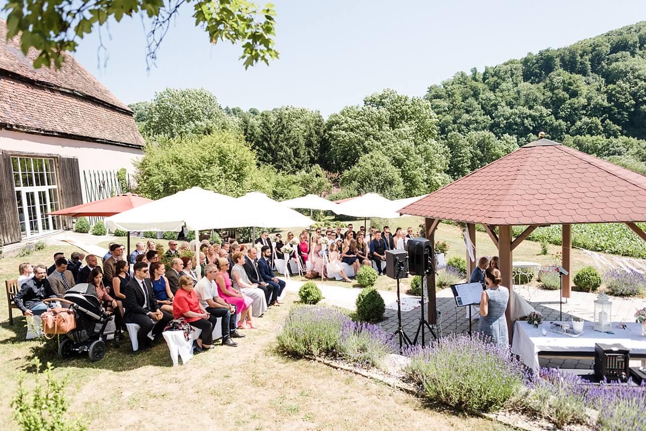 Rebecca Conte Fotografie: Hochzeit Schloss Assumstadt 16