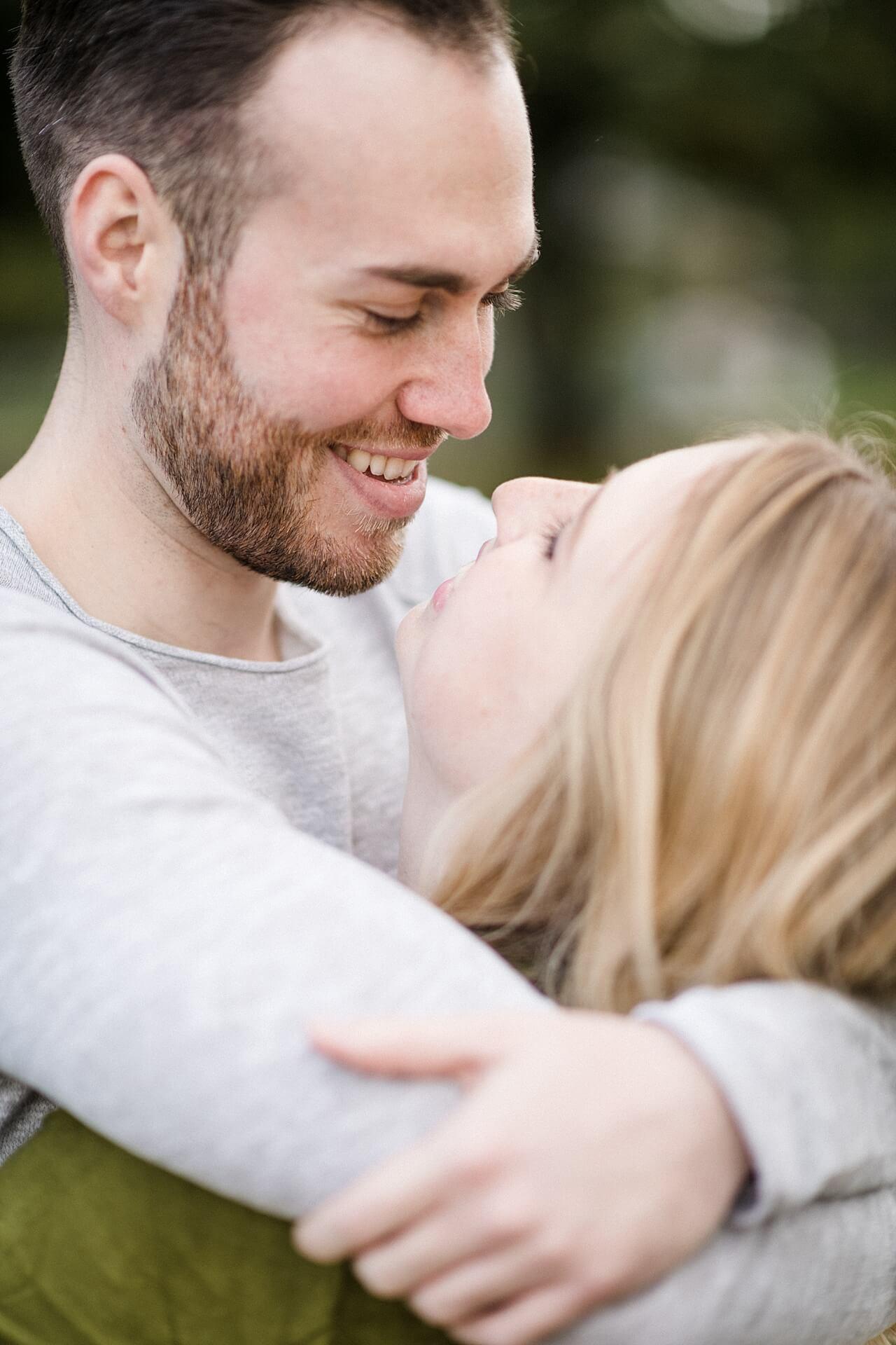 Rebecca Conte Fotografie: Verlobungsbilder bei Herbstwetter 20