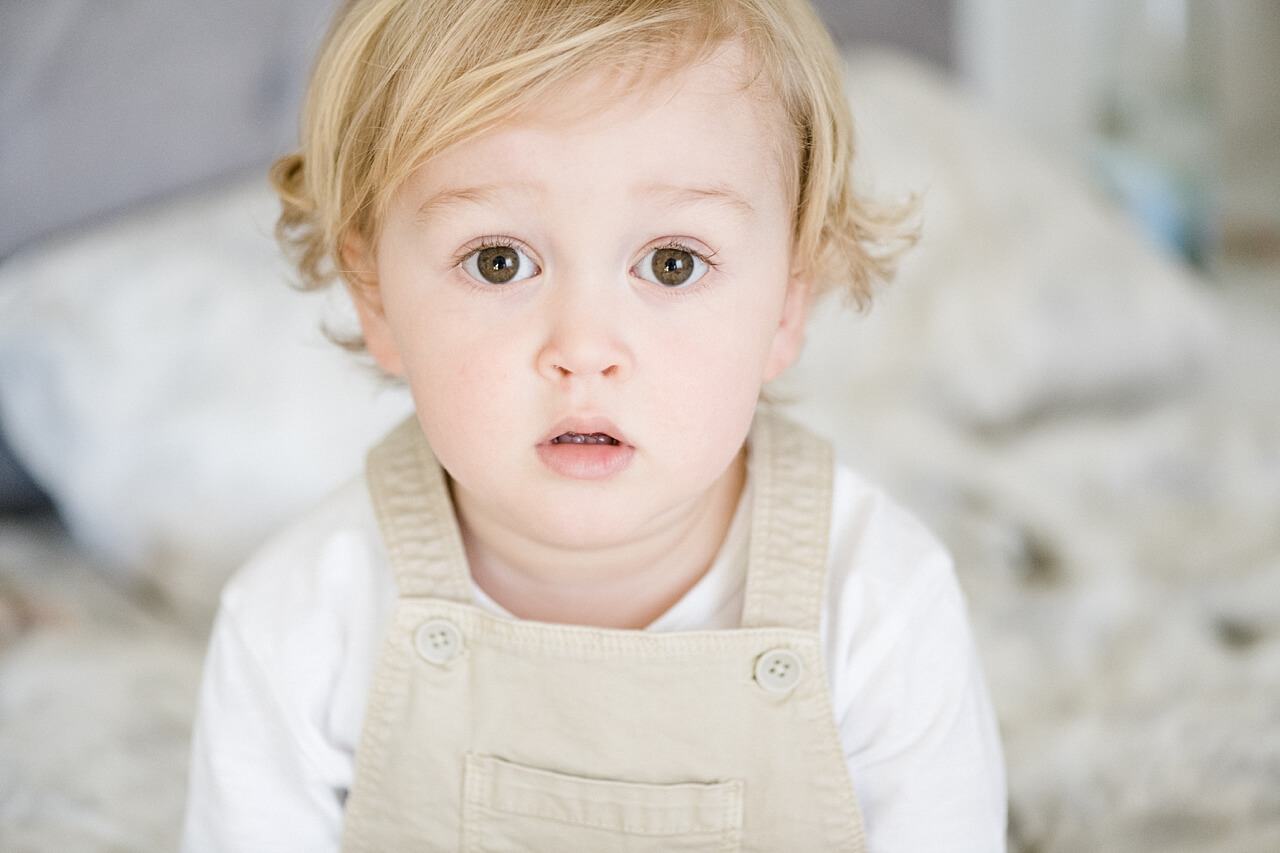 Rebecca Conte Fotografie: Zarte Neugeborenenbilder 04