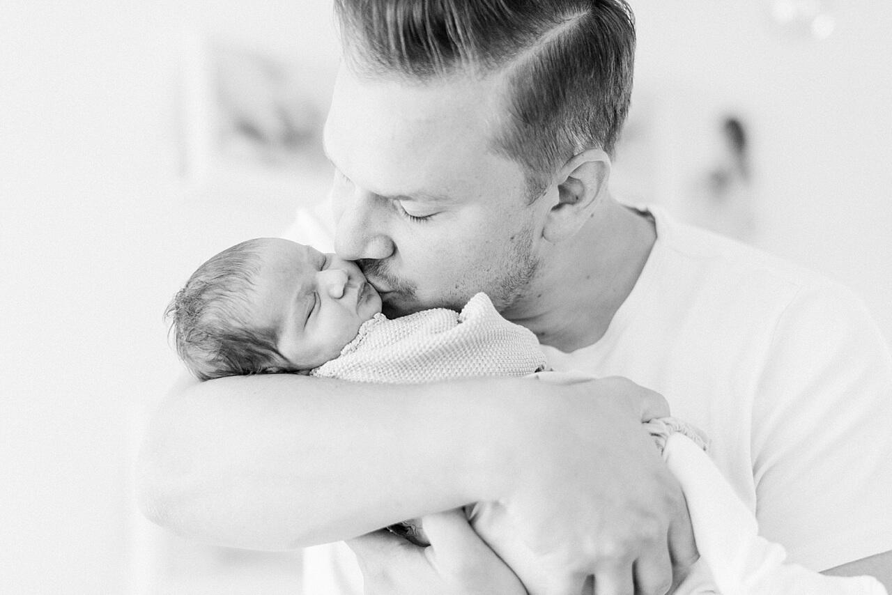 Rebecca Conte Fotografie: Zarte Neugeborenenbilder 13